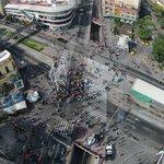Asi luce en estos momentos la Calzada Independencia bloqueada por comerciantes de Obregón. Foto: @DronZMG https://t.co/KTFtN4rVRG