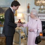 Canadas Justin Trudeau went to Buckingham Palace and of course he charmed Queen Elizabeth https://t.co/DU5pWzPQ1H https://t.co/5Xw0pycZFS