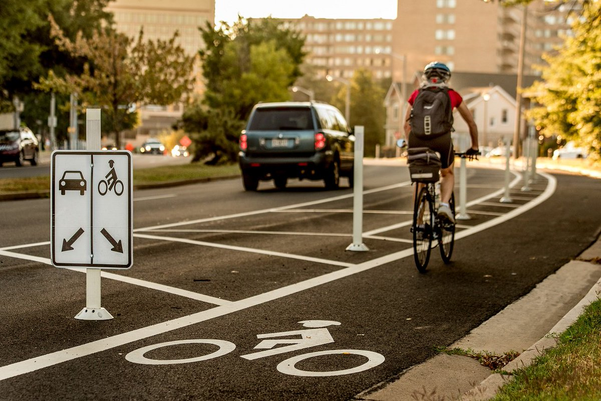 We're #ARLthankful for protected bike lanes! RT if you are, too! @ArlingtonVA @ArlingtonDES @ccbid https://t.co/9l8UBlpcgx