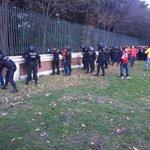 İspanyol polisi, Vicente Calderona girişte Türk taraftarları ararken terörist muamelesi yapıyor. https://t.co/htXri3zcz1