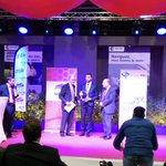 .@reseau43117 by @TVT_Innovation reçoit le prix Top #numérique au #Top500. Prix remis par @PierreGattaz. https://t.co/welpsezUhz