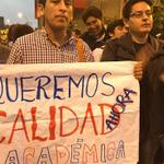 #VIDEO   Universitarios marcharon contra la #LeyCotillo https://t.co/rkWcn4zdOE https://t.co/SvJvduVzuB
