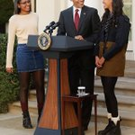 2015 White House Turkey Pardon and look at Sasha and Malia!!! #toocute https://t.co/m1SBE3exDh