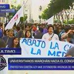 [VIDEO] #LeyCotillo: opositores al proyecto marchan por calles del Centro de lima ► https://t.co/ofxpuKsh3l https://t.co/olUbKBdfOG