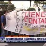 "[#ENVIVO] Universitarios marchan contra la ""Ley Cotillo"" #EdiciónCentral ►https://t.co/KZSkQUrrz3 https://t.co/tp7TT6r5in"