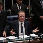 Perderam, Renan e PT! Senado mantém prisão do petista Delcídio do Amaral em votação aberta! https://t.co/i4bIOOxw5y https://t.co/60GNatkc6a
