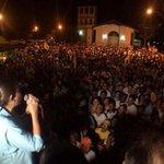 Impresionante la multitud q salio a la calle esta noche en #Marigüitar.Venezuela entera ya decidio #Sucre https://t.co/wIZ51uge5q