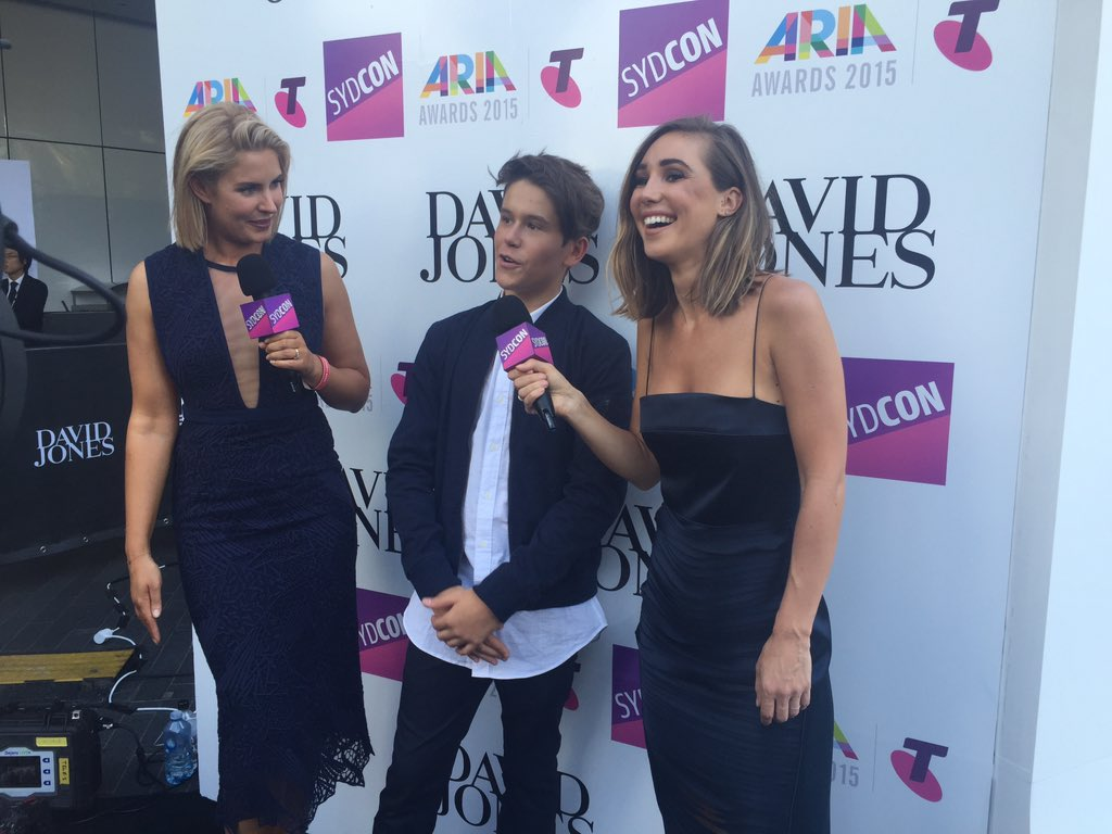 .@JaiWaetford keeping the girls in fits of laughter at the #ARIAs https://t.co/prnIjGWdro https://t.co/6GzIQirXCl
