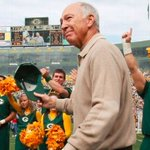 Its been a long time coming, but Bart Starr will finally return to Lambeau Field tonight: https://t.co/hrPExdZE96 https://t.co/xmeUJQ60mn