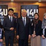Pagi td, sempat luangkan masa dgn pemenang2 Prtandingn Debat Cambridge 2015 dr UiTM & UIA. Kagum dgn kejayaan mereka https://t.co/7RuwXTl2uq