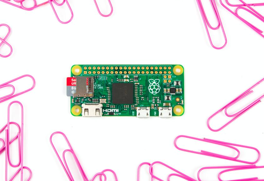 Raspberry Pi just announced a tiny new $5 computer, the Pi Zero. https://t.co/oOC0Ra4VCS https://t.co/vKDaSLlCPq