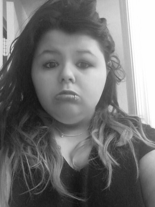 Would  I look good with a lip piercing ? -Cris https://t.co/2DdwTzQV8D