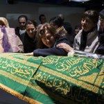 #PHOTO Les funérailles de la Belge Elif Dogan, victime des attentats https://t.co/VuitCNa4f2 https://t.co/gS0IKe2rmI