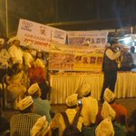 AAP MLA Commando Surinder Singh addressing the tribute meeting at CST, Mumbai. #MumbaiAttacks https://t.co/Jp0r4ilpbv