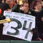 A good show of faith from @packers fans. #RIPWalterPayton #Bears #Packers @SNFonNBC https://t.co/PSx0GJ7O5S