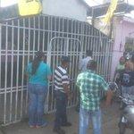Lanzan bombas a sede de Primero Justicia en Guasdualito (Fotos) https://t.co/3ogUG89RUu vía @la_patilla https://t.co/AABPyRq8LP