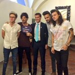 Weve got @onedirection in Mexico today! Whos the most important British living artist? #UKMX2015 #MusicisGREAT https://t.co/b04FetxnPI
