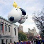 .@Snoopy + @Woodstock = the definiton of BFF. #MacyParade https://t.co/BNRPEaVcLq