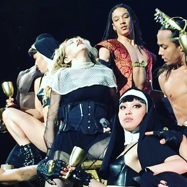 Happy Thanksgiving from the ???? and her rebel heart gang! We give Thanks! ????????. ❤️ #rebelhearttour https://t.co/6u0s4igniQ