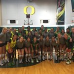 Happy Thanksgiving Duck Families from @OregonVB @OregonWBB (getting in our turkey day practice). https://t.co/iLoLDvL1RH