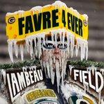 Someone is ready for Brett Favres return to Lambeau. (via @RoemerPhoto, AP) https://t.co/ApFTxNMEd3