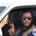 """#ليبيا_الآن مقتل """"عبدالحميد العرج"""" قيادي بارز بتنظيم #أنصار_الشريعة بمعارك مع الجيش الليبي #العزيات جنوب شرق #درنة. https://t.co/mPW0iA9UPg"""