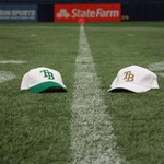 Its #RivalryWeek. Whove you got tonight?  Retweet for @USFFootball, like for @UCF_Football. https://t.co/3NezIwWeIg