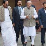 PMModi invites Sonia Gandhi, Manmohan Singh for tea, triggers GSTbuzz https://t.co/RbrtNccsym https://t.co/R7sWoSgBxA