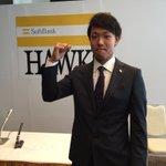 坂田将人投手が来季から再び支配下登録されることになりました! 新背番号は49! 頑張れ、さかっちゃん! #sbhawks https://t.co/MMoHUUZdAJ