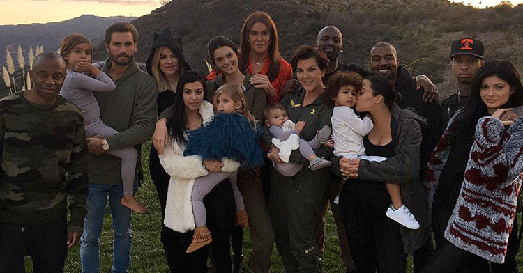 Thanksgiving was a family affair for the Kardashian-Jenners—all of them ❤️