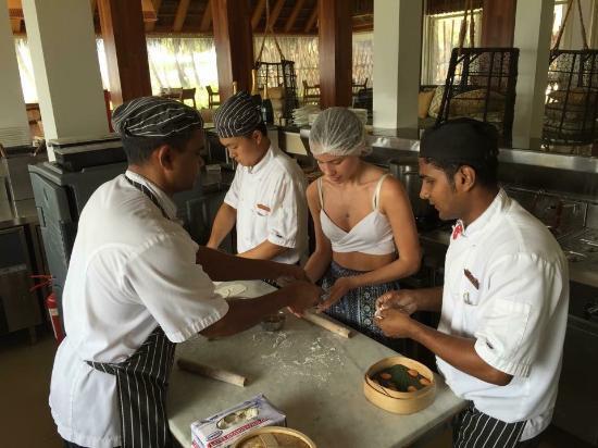 Cooking VlassWill Take u on a Short Journey ThrU da Rich Culinary Heritage of da #Maldives. #VisitMaldivesYear2016 https://t.co/vgmAsPY8hC