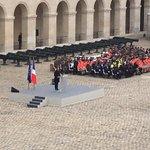 """""""Vendredi 13 nov, ce jour q nous noublieront jamais"""" @fhollande #hommagenational https://t.co/mxsBJsqy2b"""