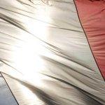 Tous unis en hommage aux victimes des attentats #Fiersdelafrance #hommagenational https://t.co/HklF9Y1tD3