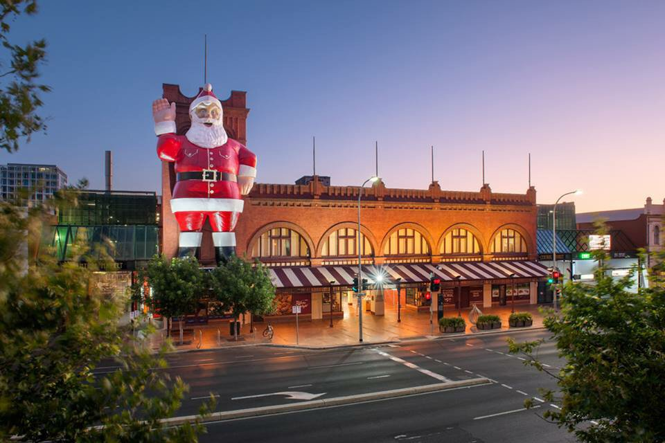 Our giant #Father #Christmas! https://t.co/UW05JUvezz