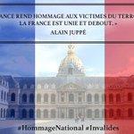 La France se recueille et pense aux victimes de la barbarie. #HommageNational #Invalides #FiersdelaFrance ???????? https://t.co/ELpYatRwhC