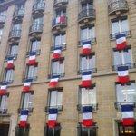 rue Fabert, qui donne sur lesplanade des Invalides #HommageNational https://t.co/BQfKKlkyzJ