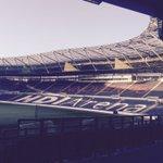 Guten Morgen an alle #H96-Fans! Die☀️lacht über der schönsten Arena der Welt! ⚫️⚪️???? #NiemalsAllein https://t.co/dLJEz9Nm0R