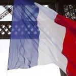 Hommage national aux victimes à 10h30: accrochez un drapeau français à vos fenêtres #NousSommesUnis https://t.co/Kq5zo1In2m