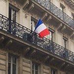 Immoweek s'associe au deuil de la Nation #hommagenational #13novembre #paris #enmemoire https://t.co/phCO6eTqJo https://t.co/CErBjrFD2g