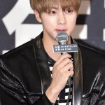 2015 BTS LIVE <화양연화 on stage> #방탄소년단 Press Conference @BTS_twt #JIN https://t.co/6SDfOrhcMY
