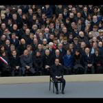 .@fhollande assis, seul, devant les corps constitués. #Invalides #HommageNational https://t.co/ZxCST678Hq