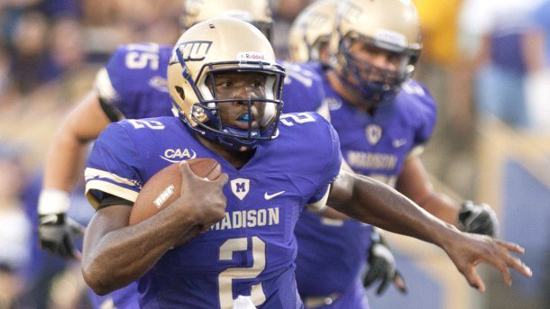 Congratulations to @JMUFootball QB Vad Lee! He's the 1st back-to-back Dudley Award winner (best VA D1 player) @8NEWS https://t.co/uQbURLdmVL