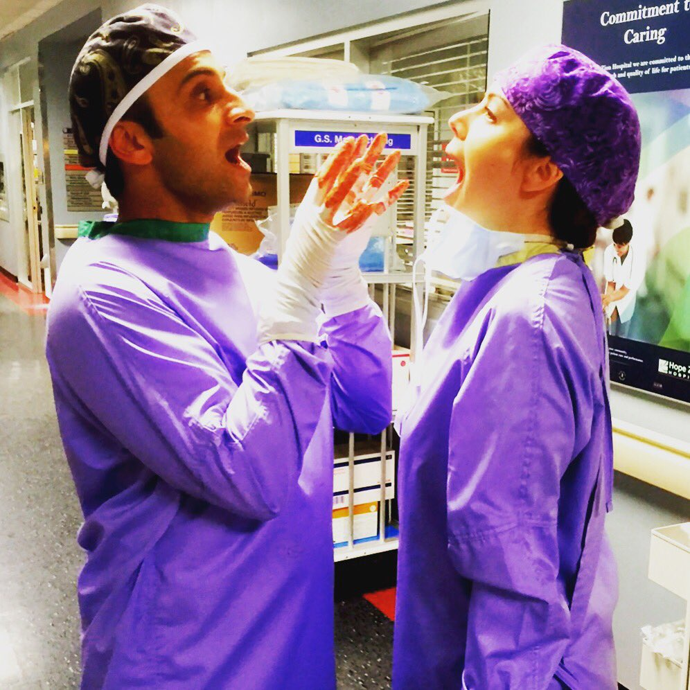 Season 4 finale done and we're.. Zombies!!!! Ahhhh!!!! #SavingHope #BloodyHands #BrainSurgery https://t.co/DcCx1bQWKx