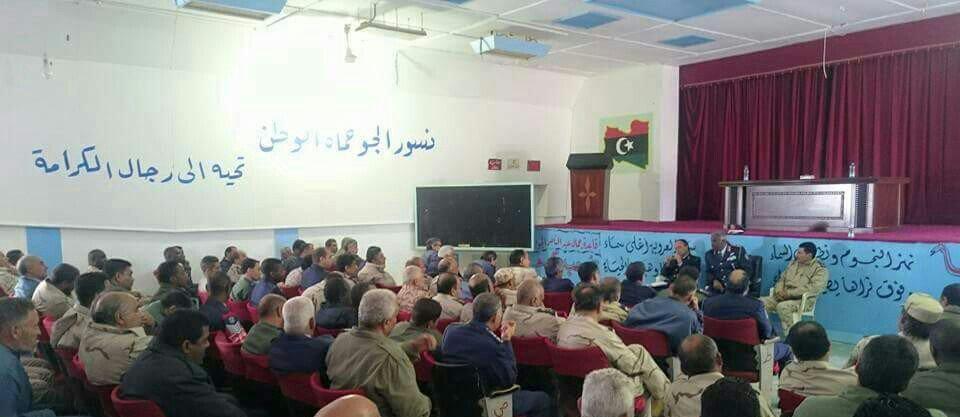 #ليبيا_الآن رئيس أركان القوات الجويه #صقر الجروشي يزور قاعدة جمال عبدالناصر الجوية ويلتقي مجموعة من الضباط https://t.co/tHM0ZRfrSw