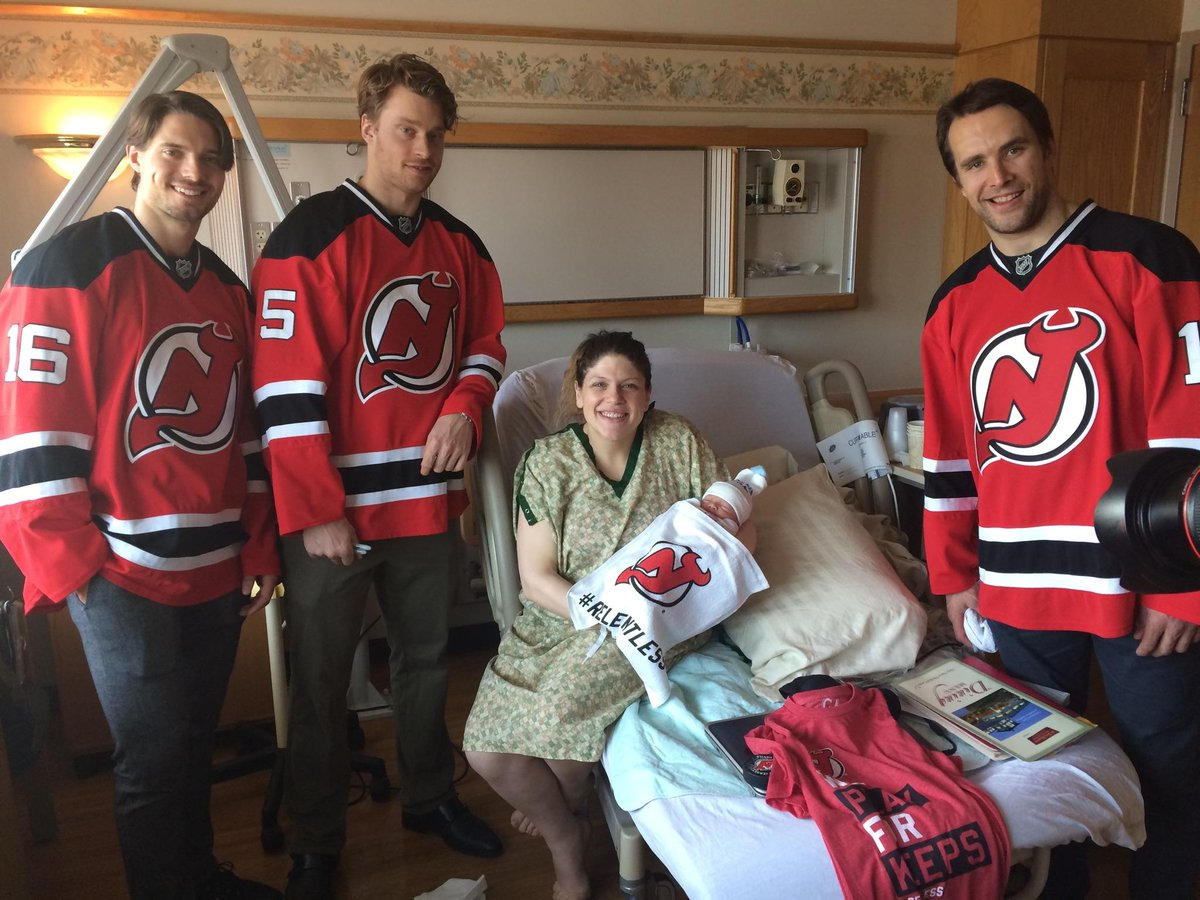 48 hours in and Baby Ari has already met his Sports Entertainment Family. (cc) @NHLDevils https://t.co/c6tj3ca70G