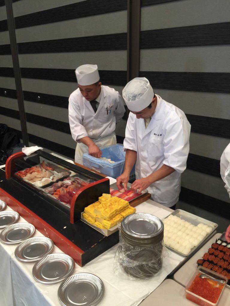 :sushi: マスターたちがアップを始めました #rubykaigi https://t.co/BWwJX58gur