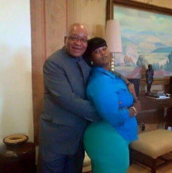 Now THIS is an interesting image of #Zuma and SAA #DuduMyeni. #Frisky #NeneHadNoChance #Corruption #ZumaMustFall https://t.co/PzBwZyJYex