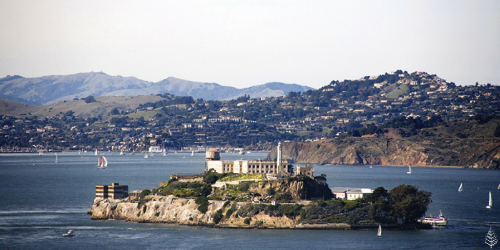 A5 The best Natl park is @AlcatrazIsland. Check out the night tour and get a great view of #TheBay #TravelSkills https://t.co/q0uFn98fxg