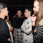 """""""OH, THATS WHAT U MEAN!"""" WATCH US AND BIEBS ON @nickelodeontv #HALOawards TONIGHT 7/6c https://t.co/Uqo62YYoOw"""