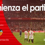 Comienza el partido en el Ramón Sánchez-Pizjuán entre el #SevillaFC y el @valenciacf #vamosmisevilla #SFCvVCF https://t.co/PBJ1YaYkVk